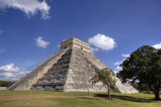 Kukulkan. Photo  by Geoffrey Whiteway. Source: freepik.com